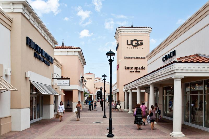 Find over outlet malls locations (including factory stores) in US sorted by states. All business information included: hours, driving directions, list of outlet stores, phone numbers and contacts. Save with our online outlet shopping gudie - follow cu.