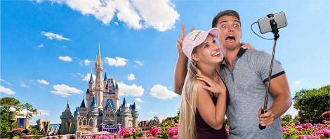 Selfie-Stick-Disney